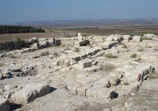 Runtuhan di Tel Megiddo