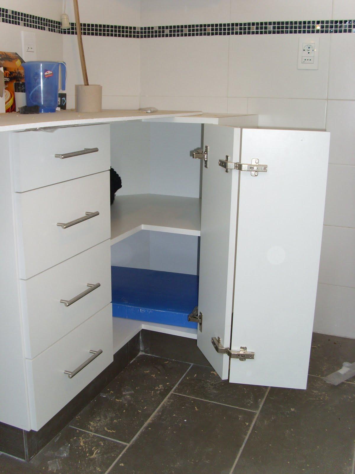 Maderas en la red set de muebles de cocina - Bisagras para muebles de cocina ...