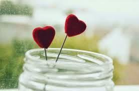 Cách nhận biết người thích và người yêu bạn