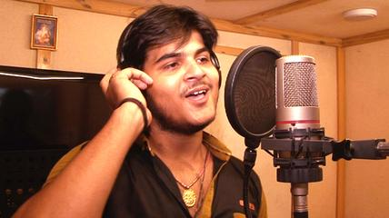 Arvind Akela 'Kallu' and Nisha Ji Hot Wallpapers - Latest Bhojpuri Singer Arvind Akela 'Kallu' Hot wallpaper, Photos, Image