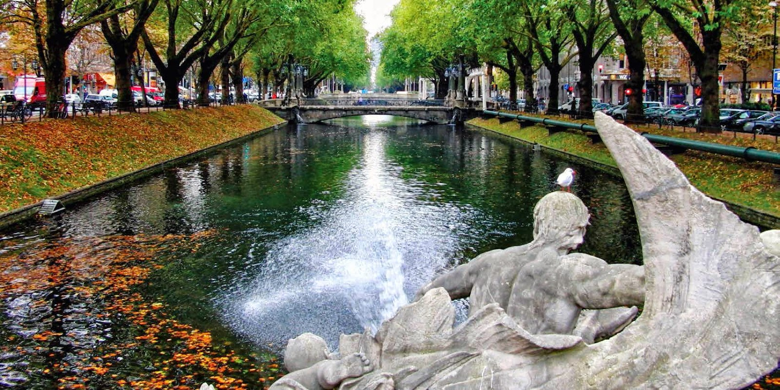 Stadtwerke Dusseldorf, the city's public works department, uses a new state-of-the-art control system based on Wonderware software to help automate the City of Dusseldorf's waterworks plants.