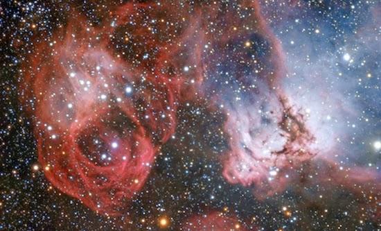 'Naga Angkasa' Menyemburkan Kehidupan di Langit Malam