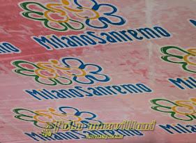 immagini dalla partenza della MILANO-SANREMO 2012