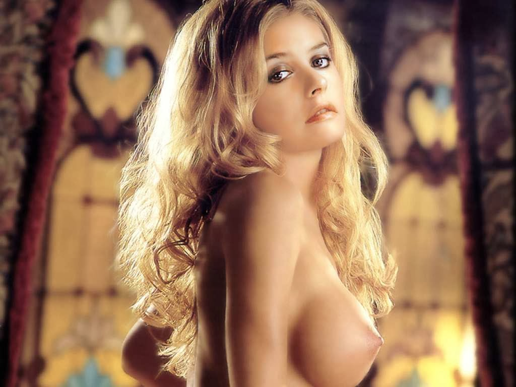 Alicia Silverstone – I am confused why I'm having these disturbing thoughts about my girlfriend