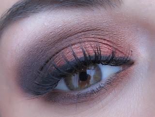 http://chroniquedunemakeupaddict.blogspot.com/2013/12/le-makeup-de-lautomne-avant-lhiver.html