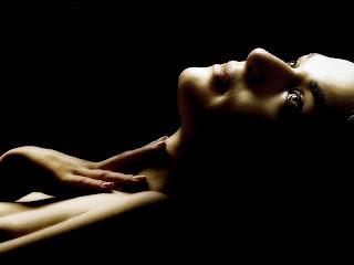 Rachel Weisz topless in The Deep Blue Sea photo shoot UHQ
