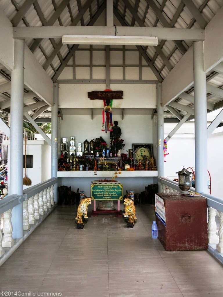 Buddhist shrine, Chaweng beach