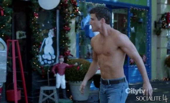 i like man parker young shirtless in suburgatory