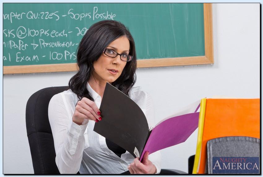 Solo Pornstars: Kendra Lust