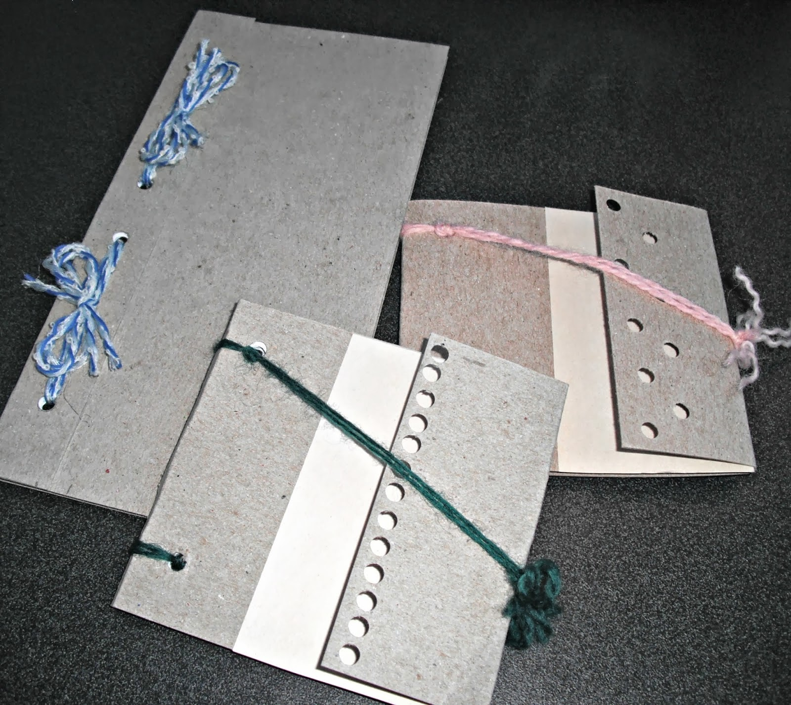 http://artsofeska.blogspot.com/2014/03/make-your-own-scrappy-notebooks-for-free.html