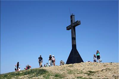 Cruz en la cima de Oroel
