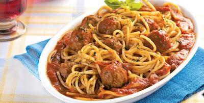 Espaguete com almôndegas light