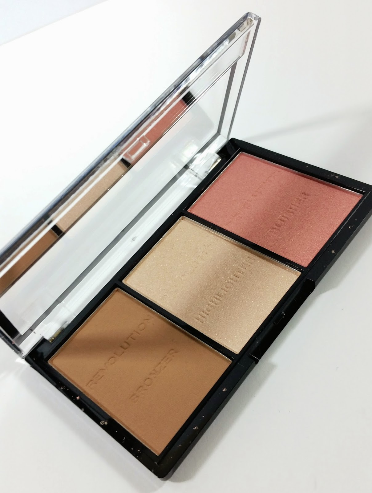 ... Makeup Revolution never really feels cheap and their palettes all close tightly with a nice click. I don't have to worry about any of them opening up in ...