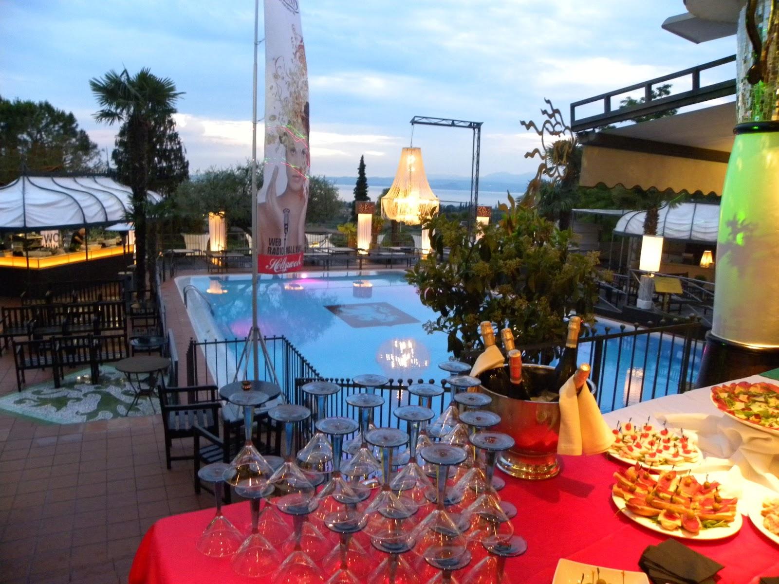 Blog news hollywood dance club bardolino 27 anni da sogno for Cena in piscina