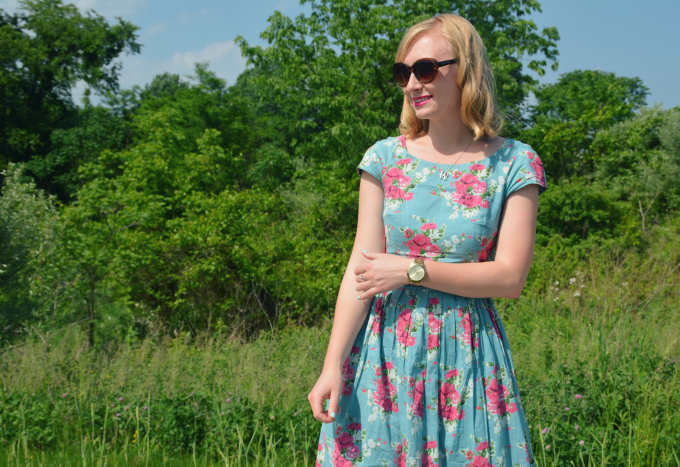My Favorite Floral Summer Dress   Organized Mess