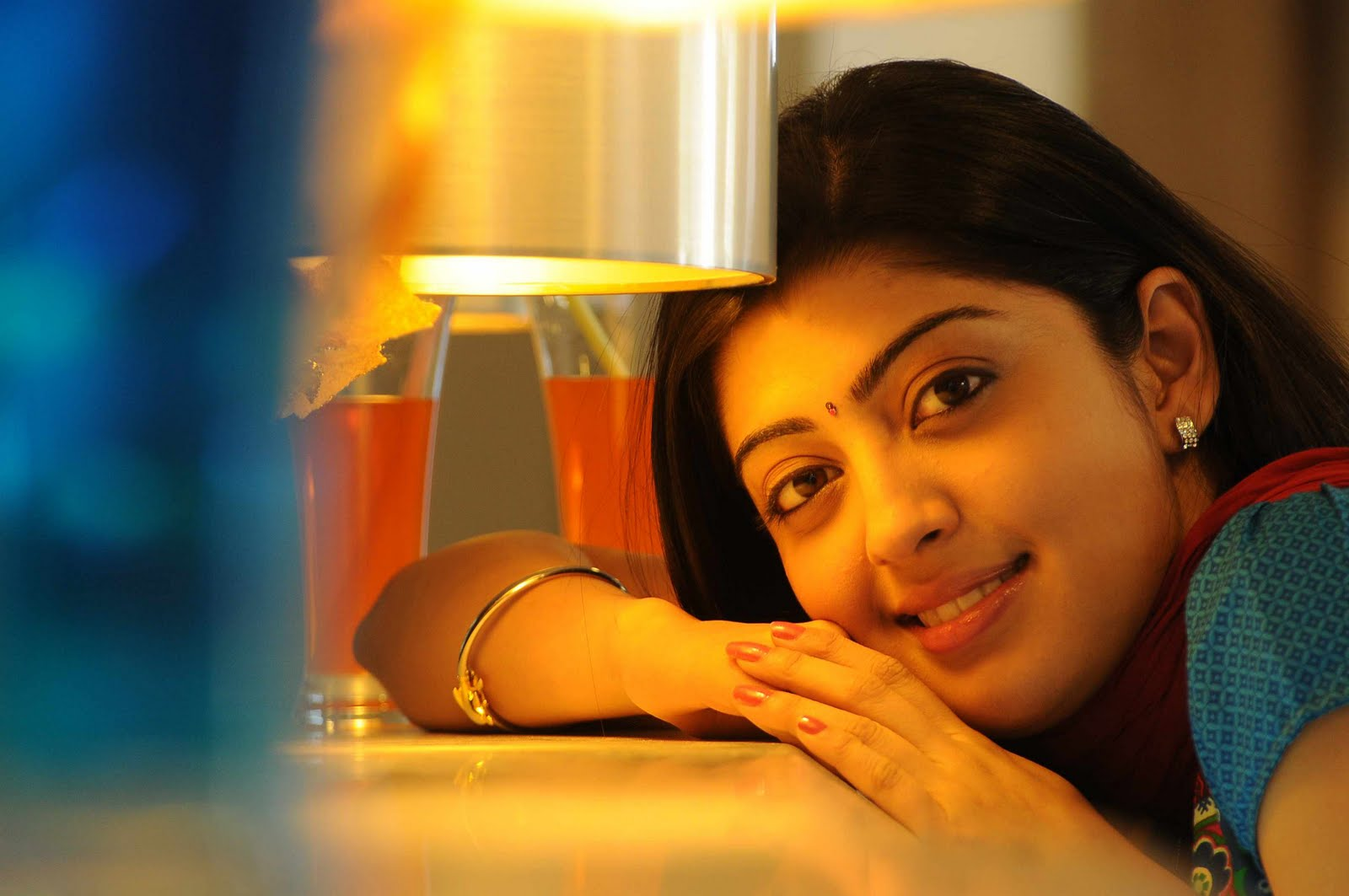 pranitha cute stills in udhayan movie | south actress