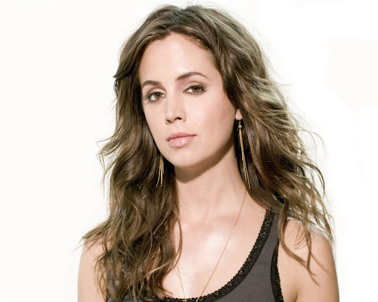 Eliza Dushku Hollywood Actress and Model Wallpaper