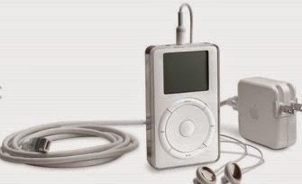 Το iPod κυκλοφόρησε το 2001 και είχε την ικανότητα να χωρέσει μέχρι και 1000 τραγούδια.