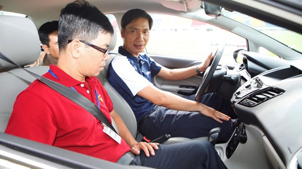 Người Việt con thường tính mạng khi ngồi trên ô tô - Bảo Hiểm Ô Tô