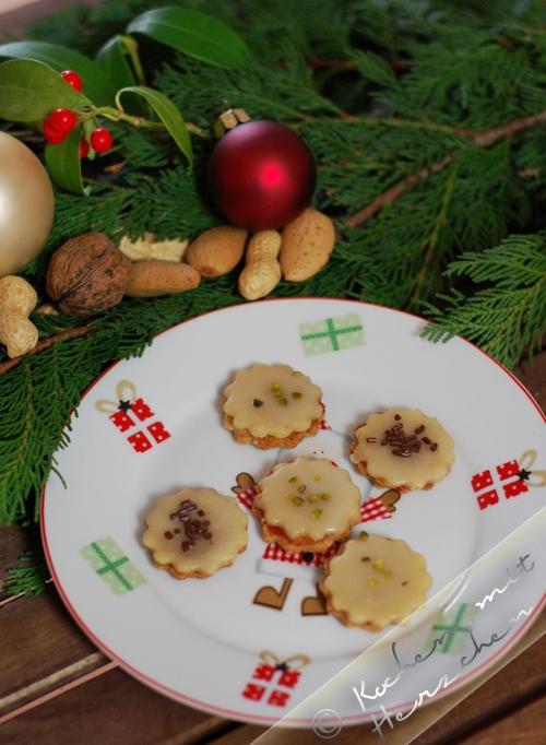 Weihnachtsbäckerei - Nuss-Marzipan-Taler