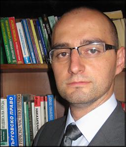 Адвокат Лазар Белев. Регистрация на заложни къщи
