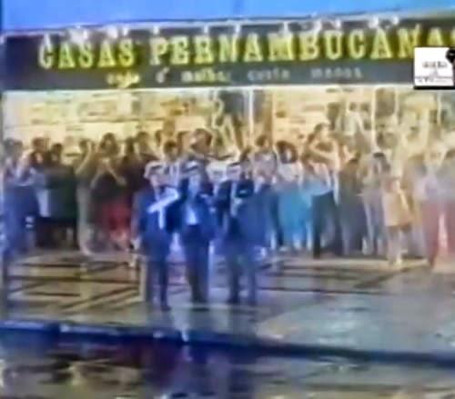 Inusitada e divertida propaganda das Casas Pernambucanas em 1983: trio de assaltantes invadem a loja.