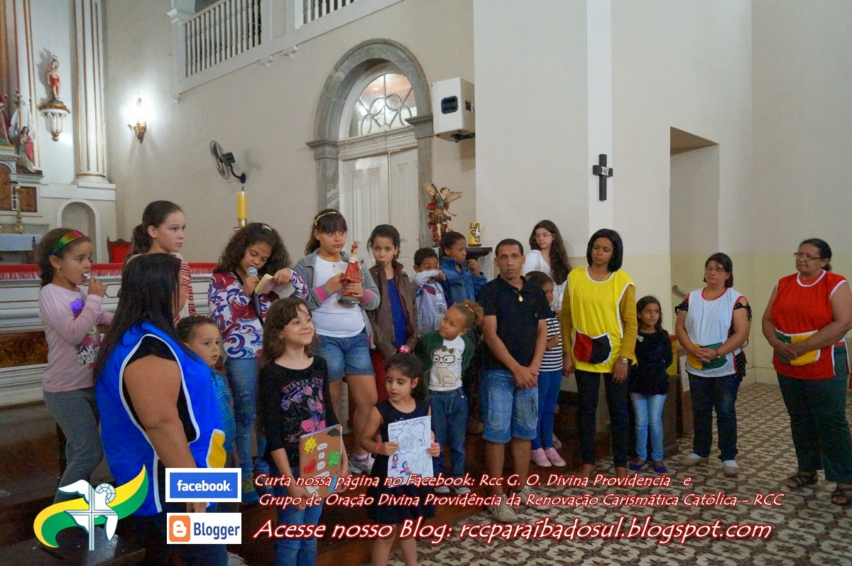 Apresentação do Grupinho de Oração Infantil  Cantinho do Céu.