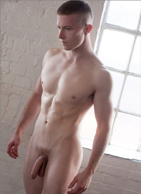 Fantastic Hot nude dude