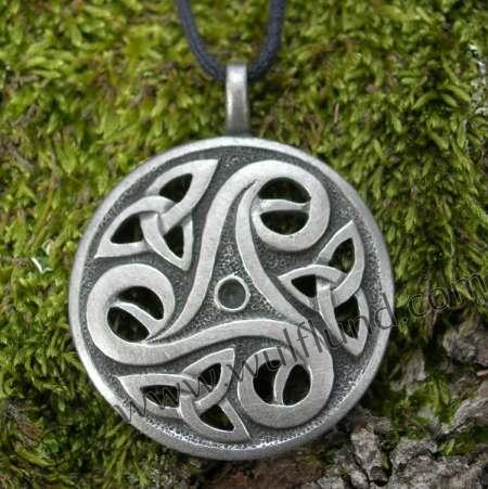 Celtic Amulet - Triskelion (Symbol for spirits, nature and being-ness ...