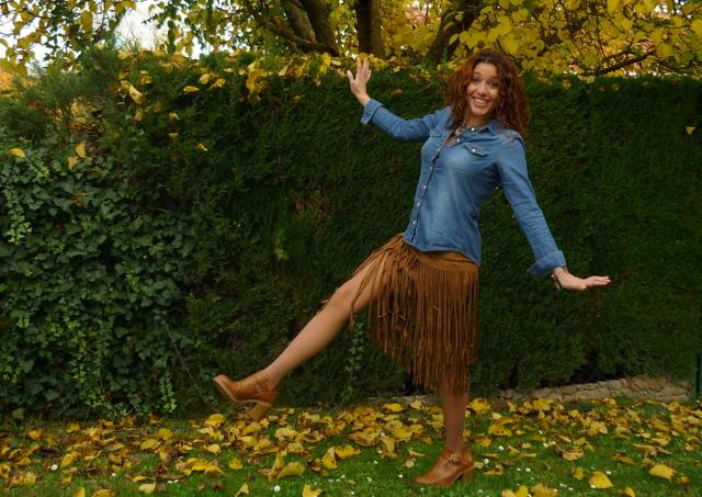 falda flecos marrón