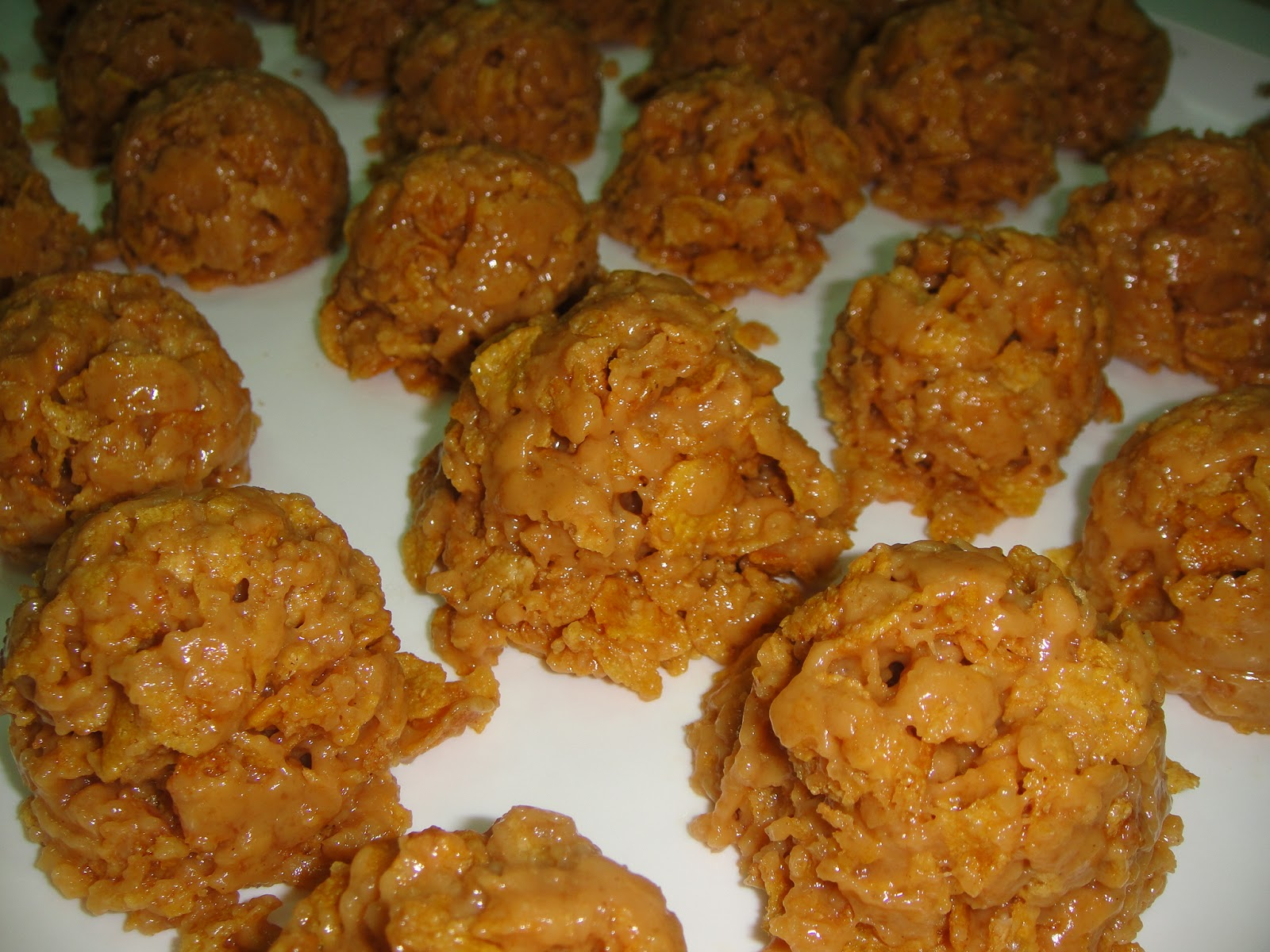 how to make peanut butter balls with corn flakes