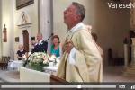 Don Bruno Maggion, preotul vesel care cântă și dansează în biserică