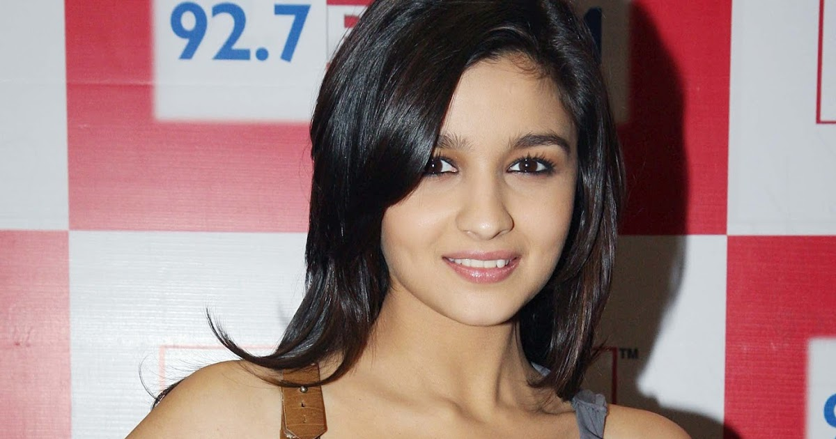 alia bhatt a biography Alia bhatt biography, height, weight, age, affair, family, wiki alia bhatt is well known indian british film actress, model, and singer she was born on 15 march 1993 in mumbai, india alia is noticeable for her work in indian bollywood film industry.