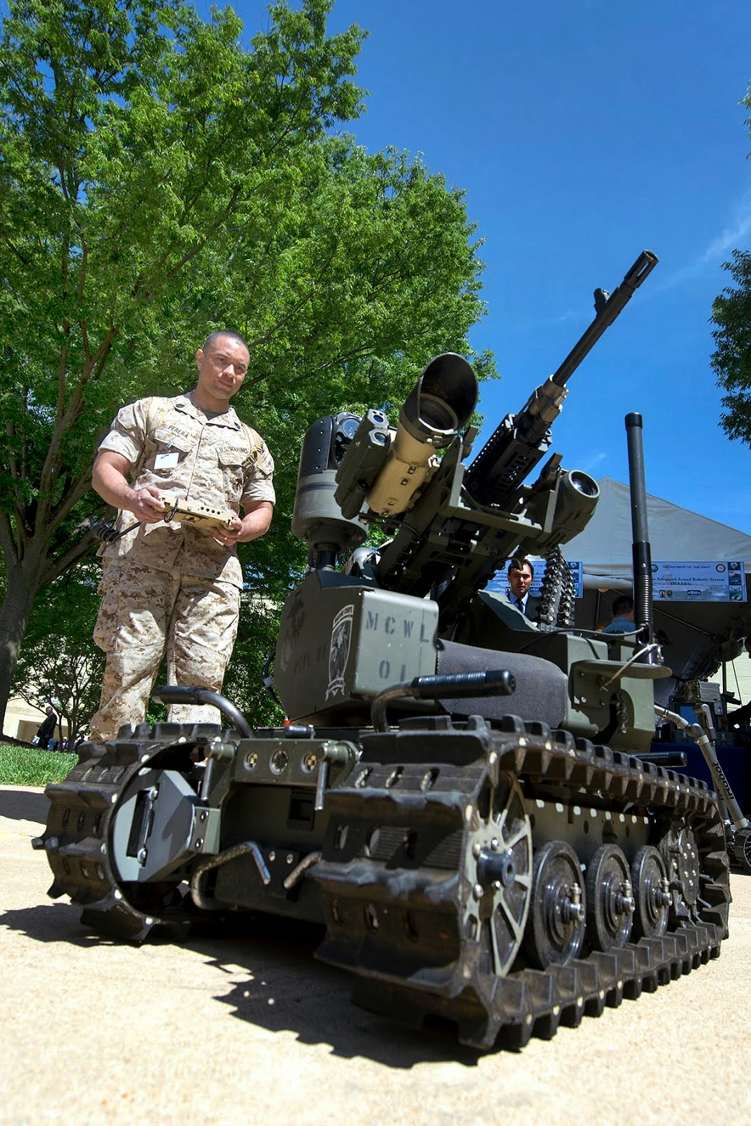 MILITARY ROBOT DISPLAYED AT DOD LAB DAY