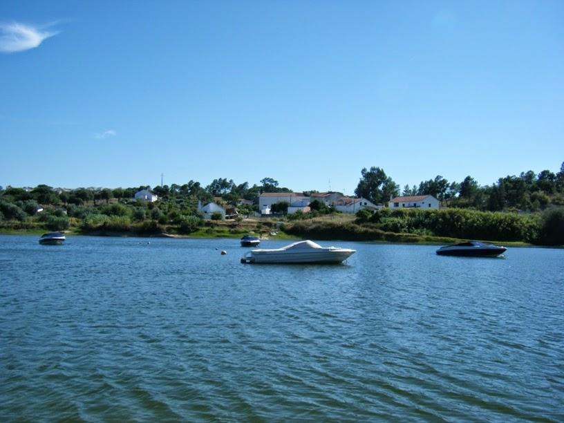 Barcos na Albufeira de Montargil