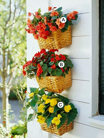 garden+planters+-+wicker+basket+planters+-+garden+decor+via+pinterest