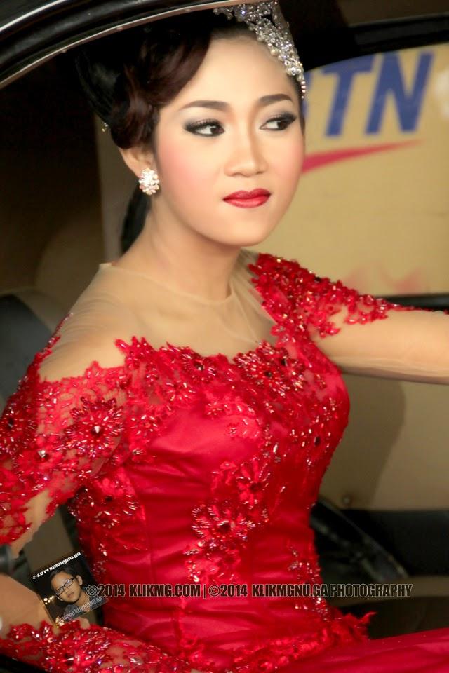 Gadis Model Bridal berbaju Merah - Foto oleh Masnoe - Klikmgnu.ga Fotografer Klikmg [Fotografer Semarang]