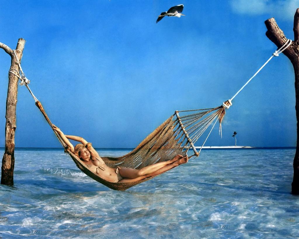 woman-relaxing-wallpapers_14300_1024x768