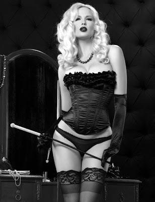 dicas para o sexo, sexo vendado, brincadeiras eróticas, brincadeiras sensuais, fetiches, lingeries, sexo oral, masturbação, sexualidade - Desejos e Fantasias de Casal