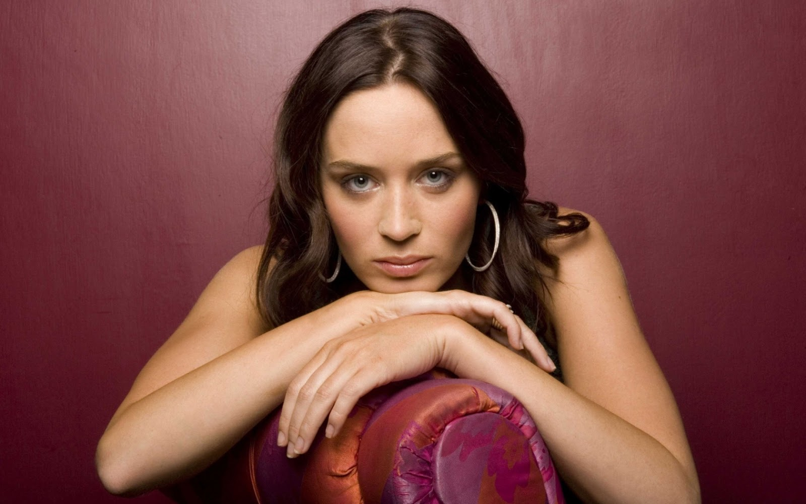 Emily Blunt New Hot HD Wallpapers 2012 ~ HOT CELEBRITY: Emma Stone Emily Blunt