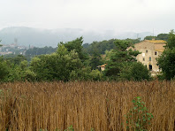 Vistes del Mas Brugueroles i Castellterçol a la seva esquerra