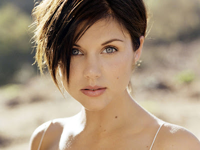 Tiffani Amber Thiessen MODEL WALLPAPER