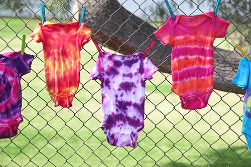 Ilovetocreate Blog Throw A Tie Dye Onesie Party At Your Next Baby