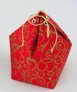 http://www.portaldeartesanato.com.br/materias/2356/embalagem+com+caixinha+de+suco