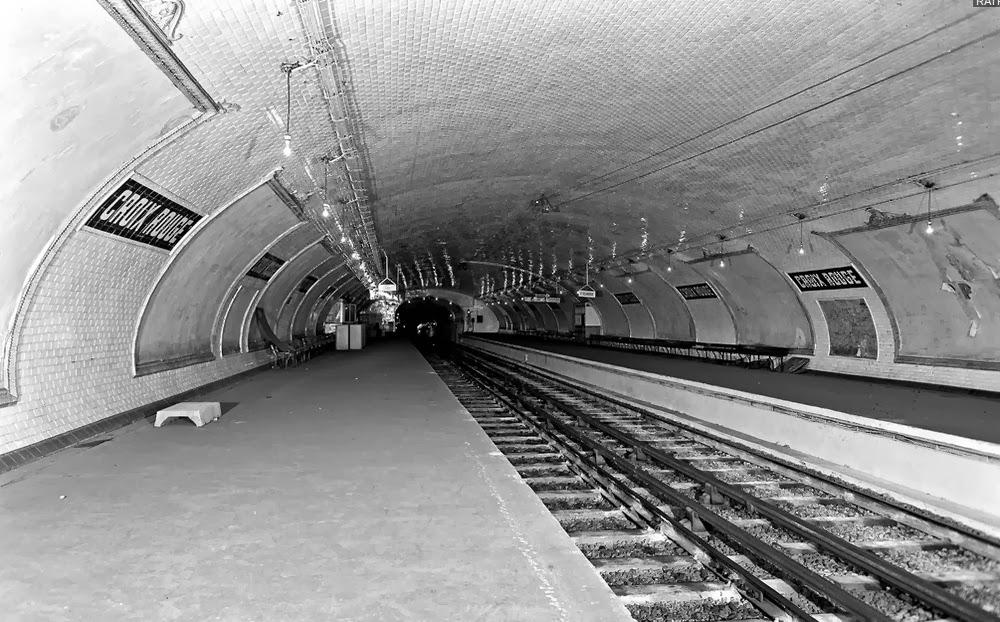 07-Abandoned-Station-2-Nathalie-Kosciusko-Morizet-Manal-Rachdi-Nicolas Laisné-NKM-Paris-Ghost-Metro-www-designstack-co