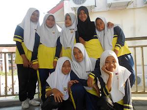 ♥Budak - budak perempuan kelas 6Cerdik 2011♥