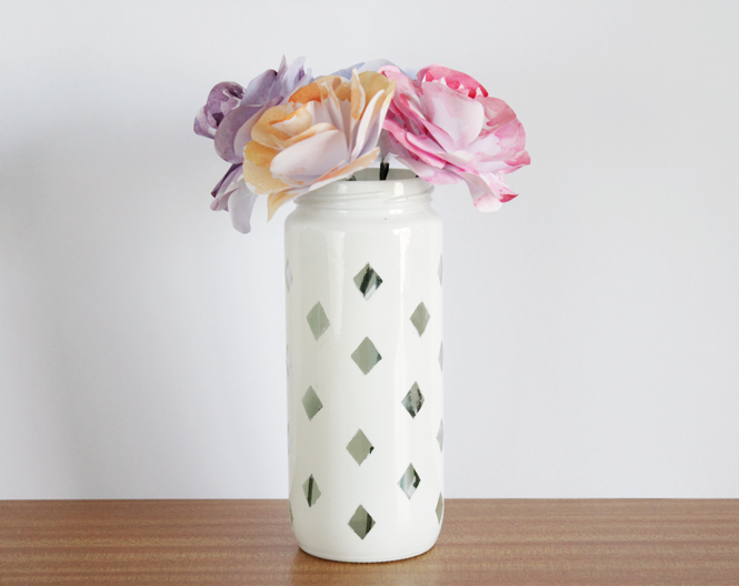 http://curlymade.blogspot.pt/2014/07/diy-diamond-jar.html