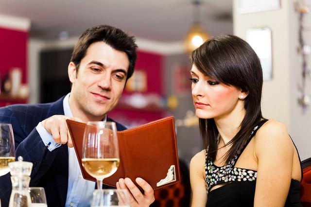 5 Hal Yang Di Perhatikan Wanita Di Kencan Pertama