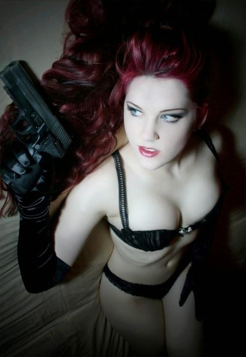 [Image: girls_with_guns_m1tigh12o1_500.jpg]