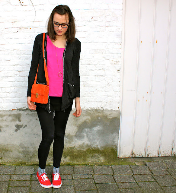 Lonette My outfit // red Vans
